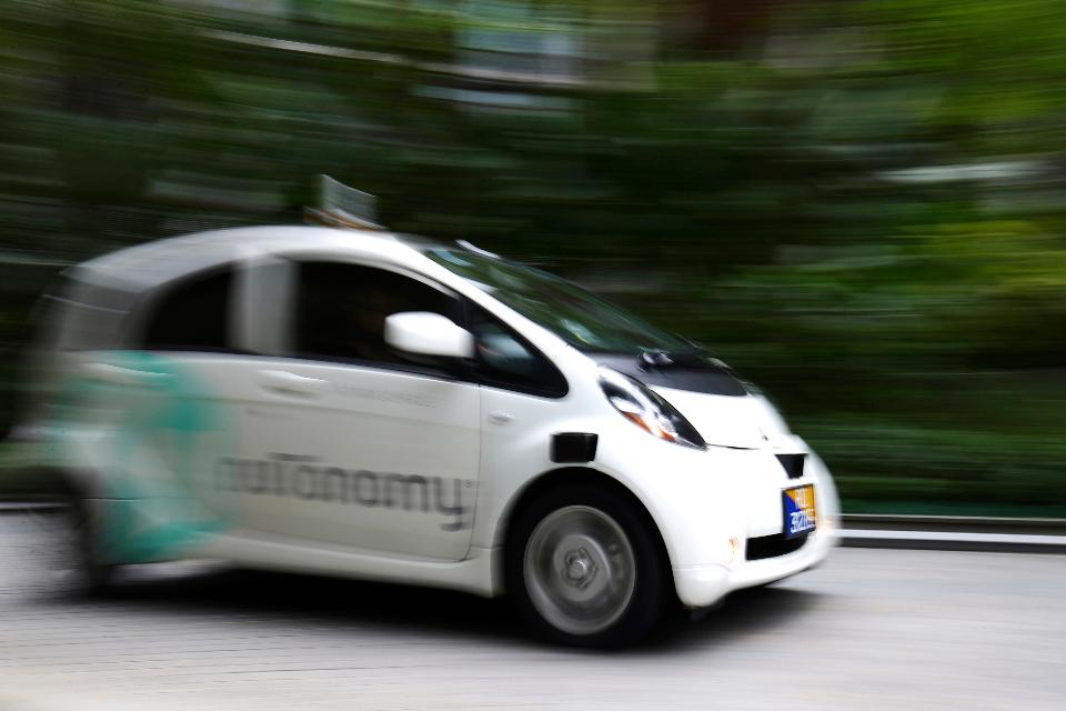 World's First Self-Driving Taxis Hit Singapore