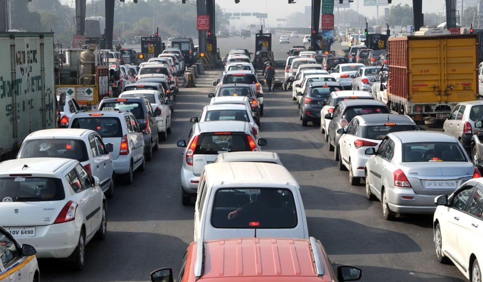 In a first, passenger vehicles sales in India cross 3 million mark in FY2016-17