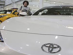 2025: E-versions for all Toyota cars
